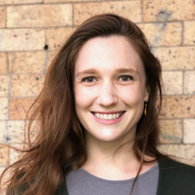 Headshot of Elizabeth Reynolds